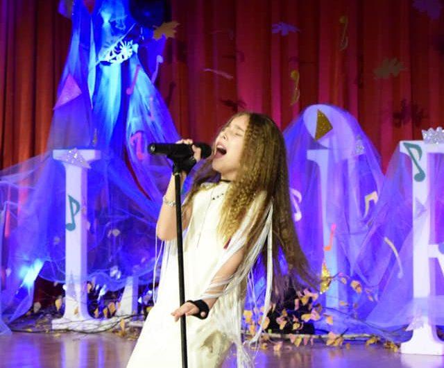 Natalia Bendre la rockeuse kids  de Roumanie  Déjà une véritable mini-star