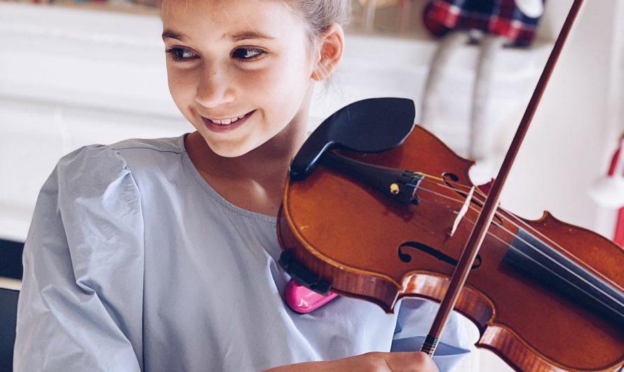 Karolina Protsenko un ange une vertueuse qui fait danser sont violon