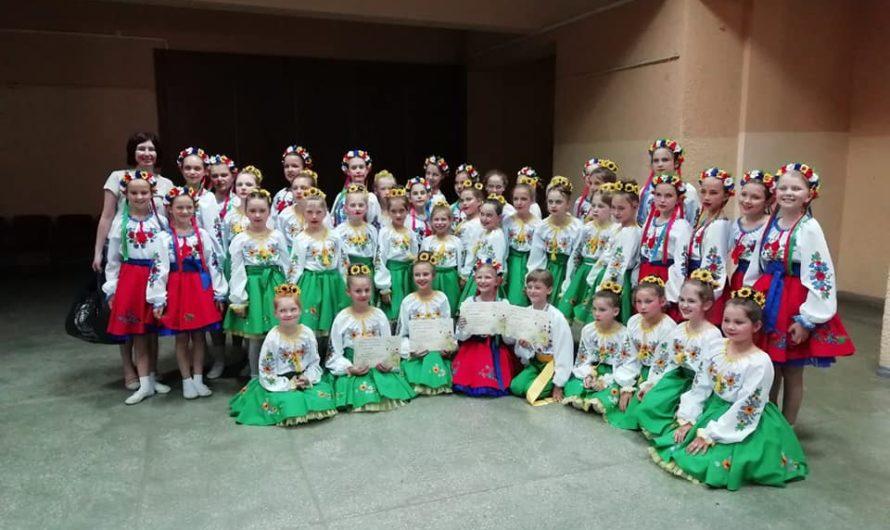 Nadiya Petrivna école de danse traditionnelle Kharkiv Ukraine