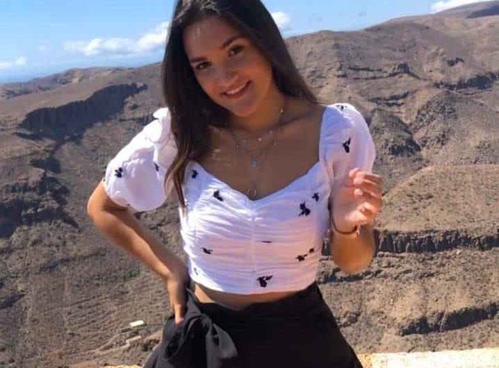 Celia Jimenez j'ai 19 ans, chanteuse et compositrice de Las Palmas de Gran Canaria.